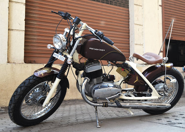 Yezdi 250 CD Modified as Hardtail Bobber