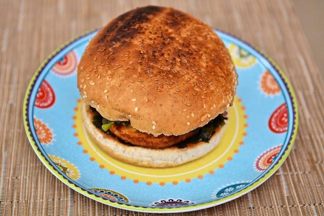 Seaburger, poisson, fish, burger poisson, fish burger, sandwich, jacquet, burger jacquet, hamburger, cuisine, fast-food, junk-food, citron, lemon, seaweed, algues, wakamé, sandwich
