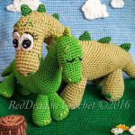 http://www.ravelry.com/patterns/library/mama--baby-dinosaurs