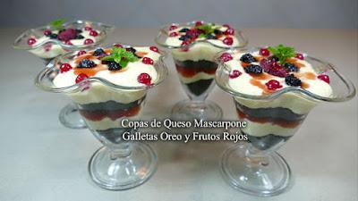 Copas de queso Mascarpone, Galletas Oreo y Frutos Rojos