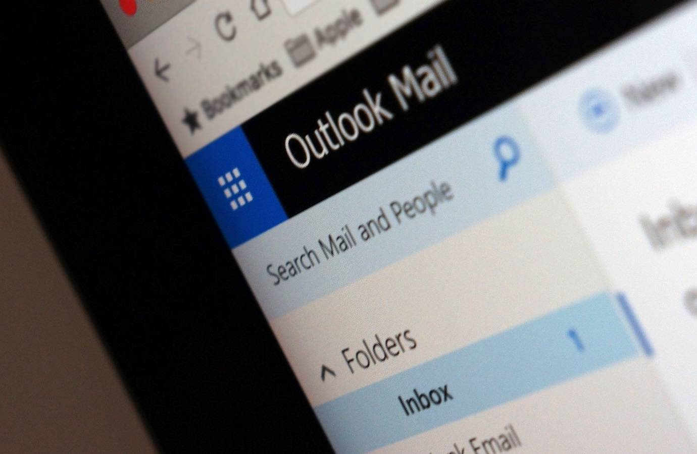Microsoft reveals hackers accessed some Outlook.com user accounts for months