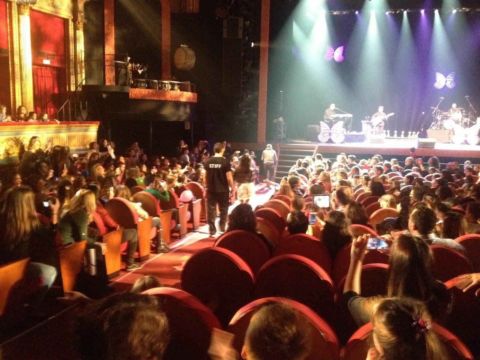 Maria Parrado entre el público de #DeConciertoConNancy