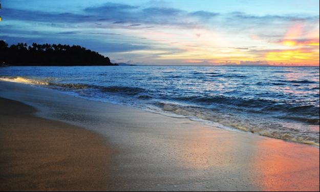 Wisata Lombok Yang Akan Membuatmu Ketagihan 06 Pantai Senggigi