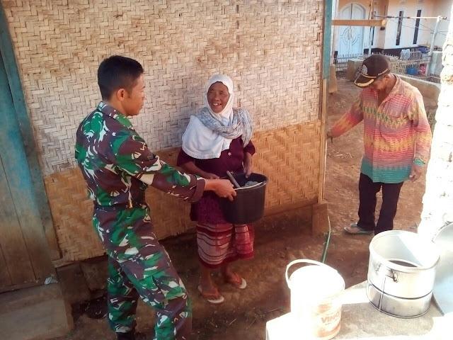 Keren nih, TNI rehab rumah jompo 80 tahun di Margalaksana