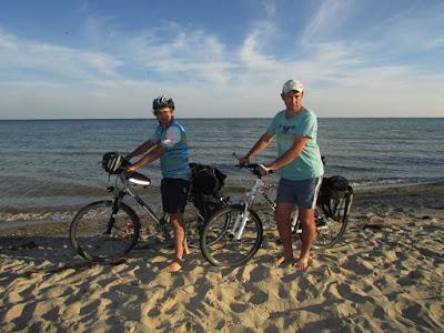 велосипедом на море