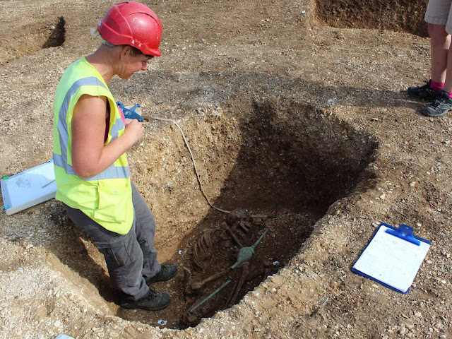 Iron Age chariot burial found in East Yorkshire