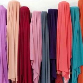 Warna Hijab Paling Populer di Kalangan Anak Muda