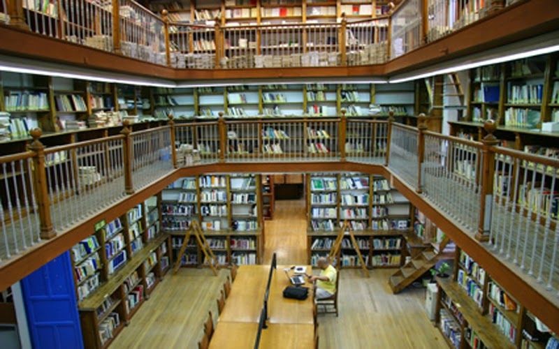 #Biblioteca e Biblioteconomia