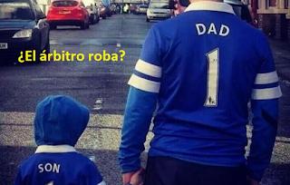arbitros-futbol-roba-papa