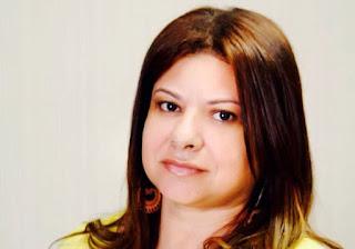 Salvador: Jornalista alagoinhense Cíntia Kelly lança livro de poesia na Barra