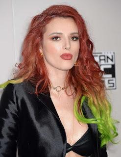 Hollywood Actress Bella Thorne At American Music Awards (5)