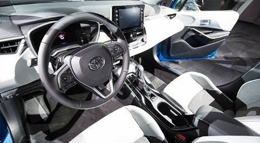 2019 Toyota Corolla XSE AT Specs and Features