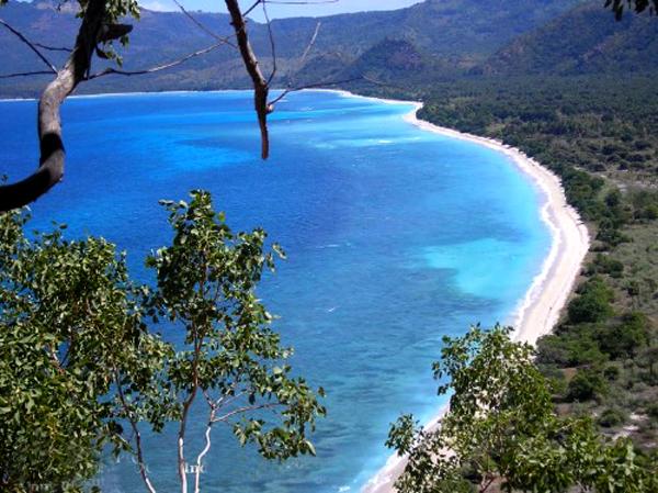 Romitha Apriyanty Wisata Pantai Pasir Putih Lampung Selatan