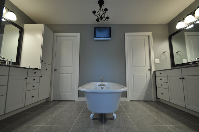 Master Bathroom, Clawfoot Tub, Sherwin Williams Grey Matters