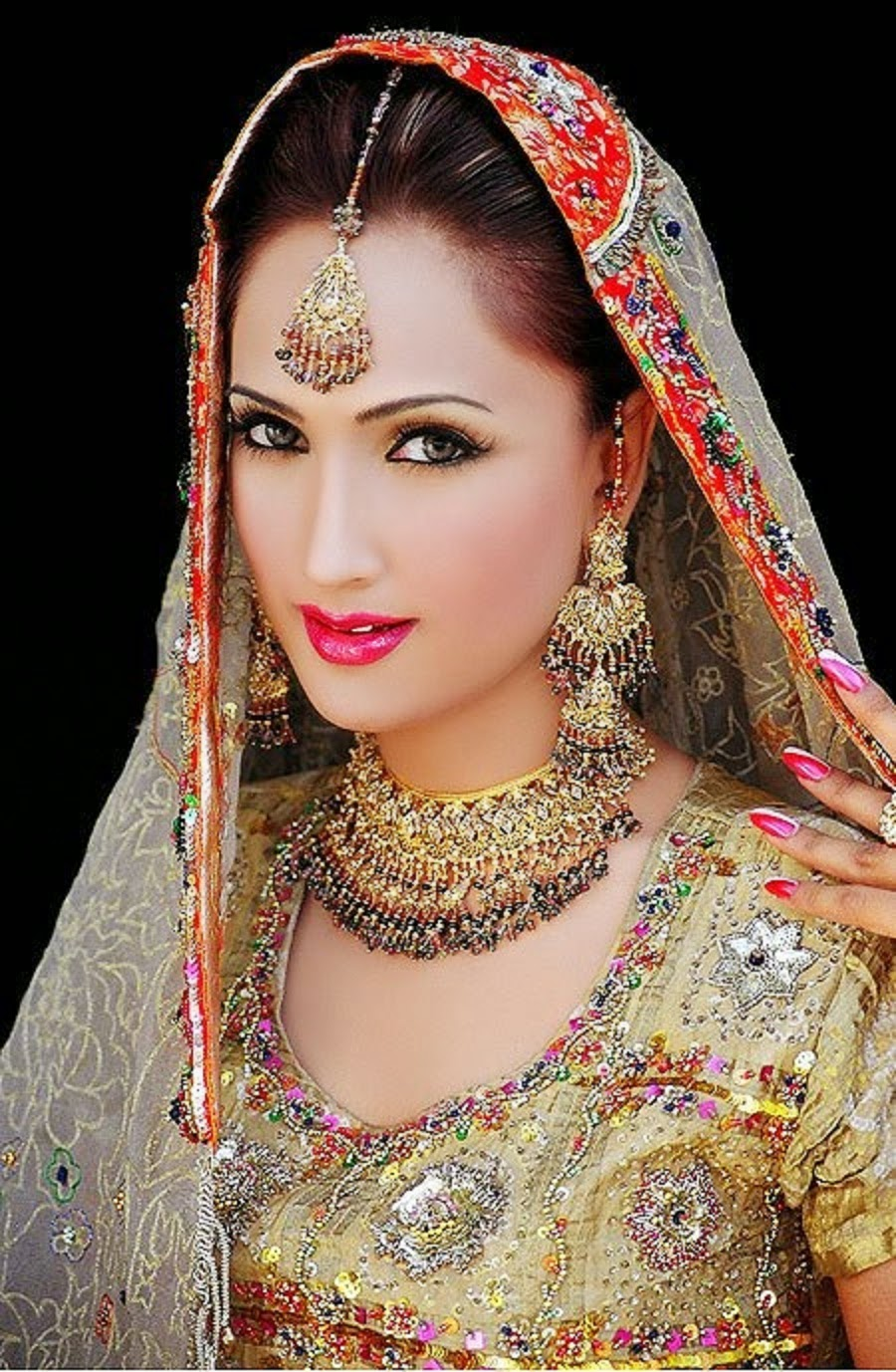 Bridal Walima Dresses, Jewelry & Make up Wallpapers Free Download
