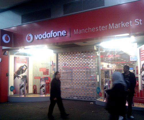 picture Vodafone Store Manchester closed