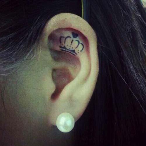 kulak içi taç dövmesi crown tattoo in ear