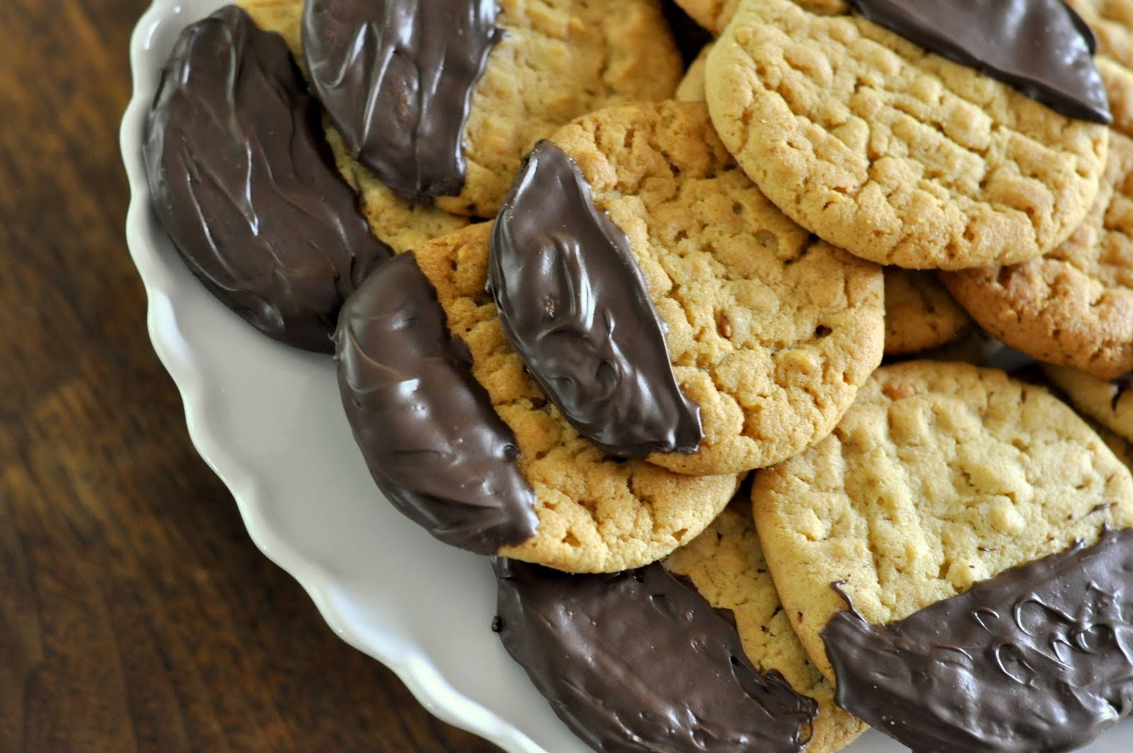 Dark-Chocolate-Dipped-Peanut-Butter-Cookies-tasteasyougo.com