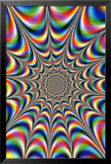 Bir tablodaki renkli fraktal şekil