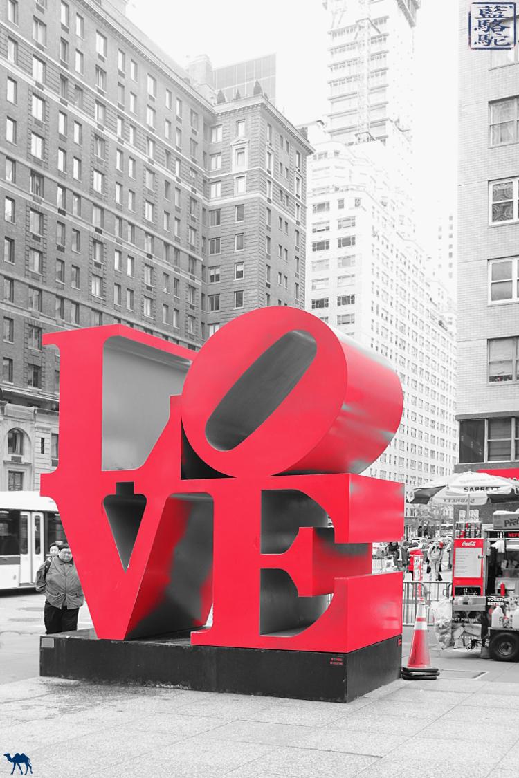 Le Chameau Bleu - Blog Voyage New York City New York Manhattan - Sculpture LOVE de Robert Indiana