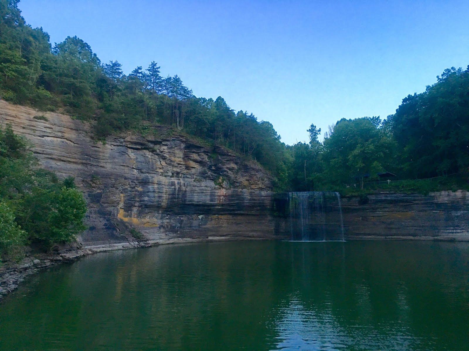 76 Falls In Kentucky Is An Incredibly Beautiful Waterfall
