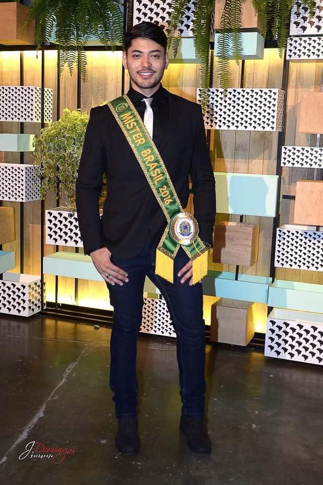 Willian Herculano disse que recebeu elogios de estilistas de renome - Foto: J. Domingos