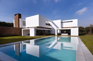 Minecraft-Modern-House-Designs-White-Structure