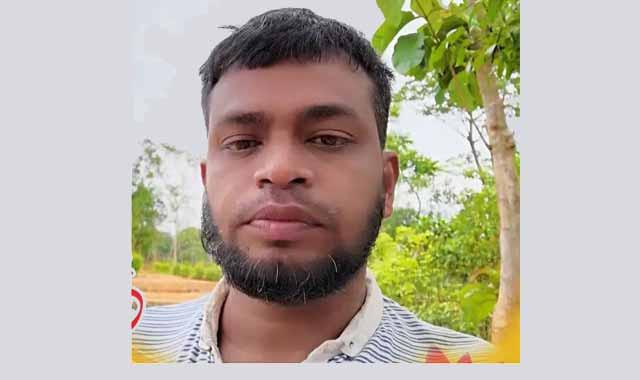 লোহাগাড়ায় সন্ত্রাসী আকবর আটক