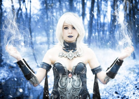 21 DC Comic Cosplays You'll Love + Injustice 2 Podcast killer frost cosplayer the flash superhero video game