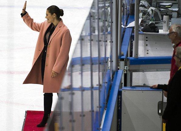 Crown Princess Victoria wore Acne Studios Avalon Double Coat, BAUM & PFERDGARTEN Top and H&M Blazer