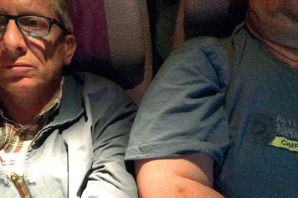 Man sues Emirates over obese seatmate