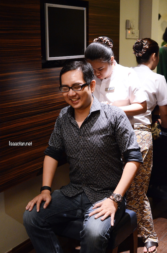We were treated to a complimentary shoulder massage at Mandara Spa 20th Anniversary Party