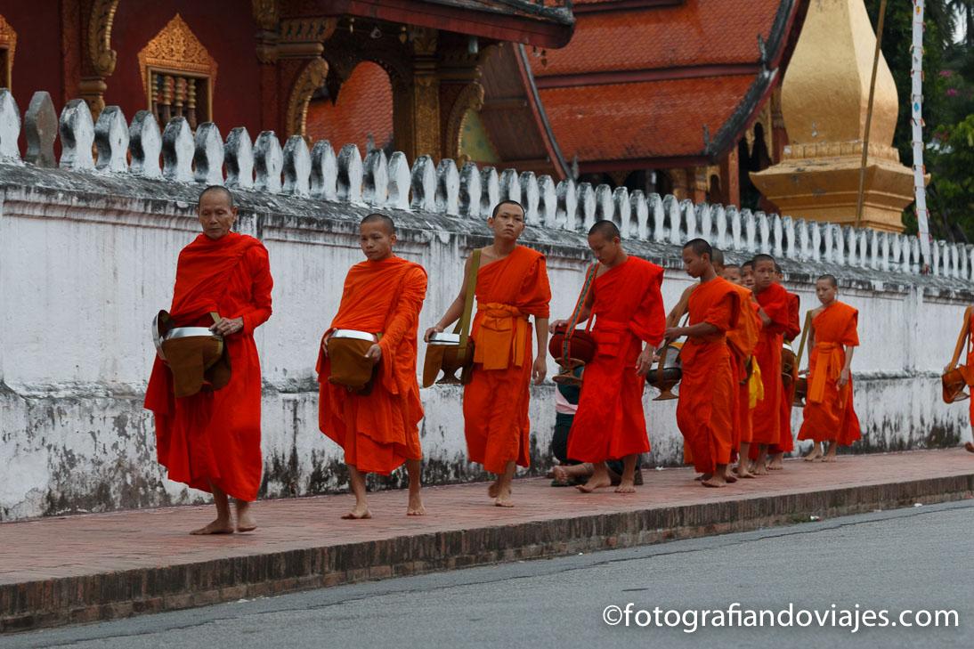 Procesión de los monjes de Luang Prabang