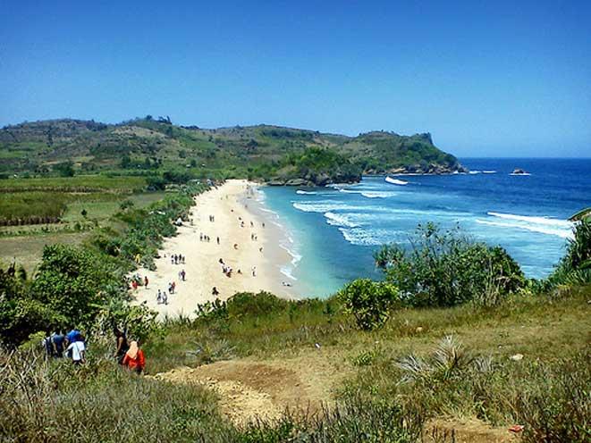 Eksotisme Pantai Tambakrejo Blitar Wisata Dimana