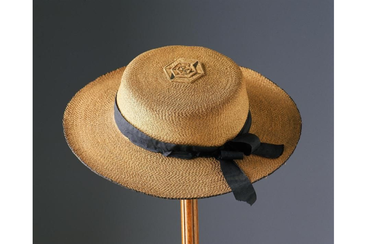Aylwen Gardiner-Garden: Australian Cabbage Tree Hat