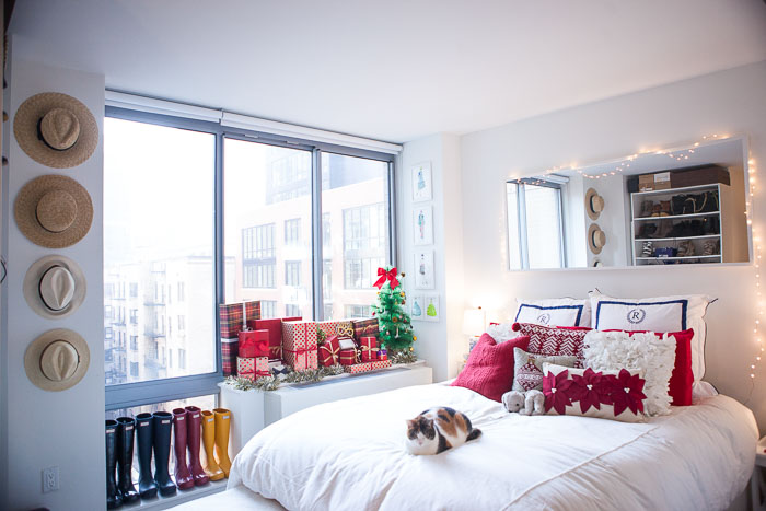 Tips for Decorating Small Spaces During the Holidays Covering