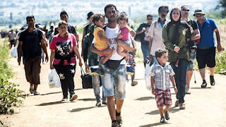 State Department Official: We need US companies To Hire Syrian Refugees