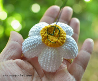 crochet plumeria flower backing with wire stem