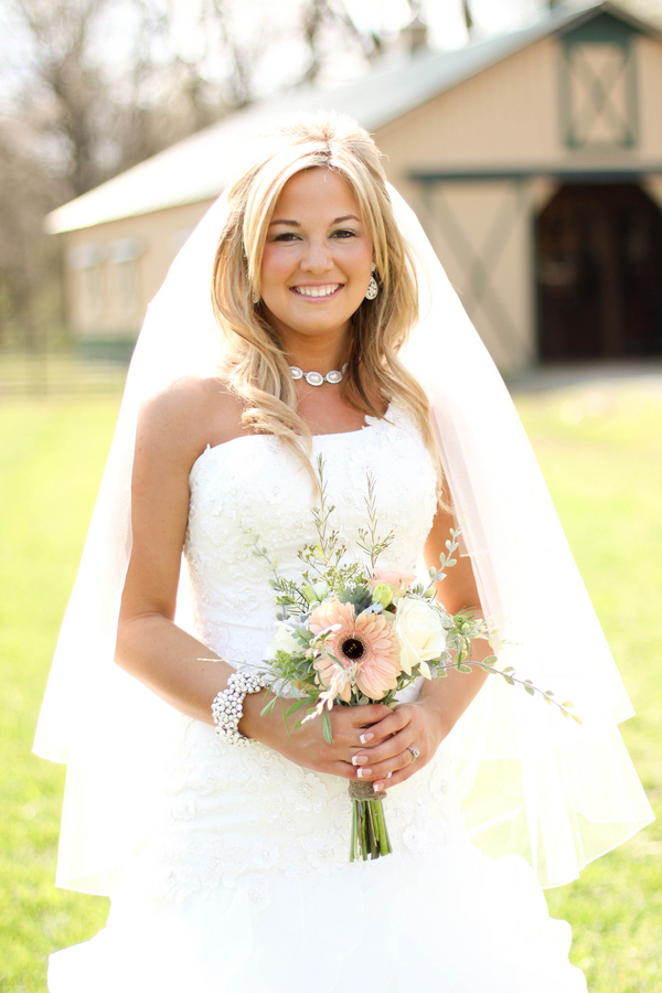 Southern+charm+belle+cowgirl+cowboy+rustic+outdoor+vintage+boots+horse+farm+barn+south+north+carolina+blonde+bride+style+hair+hairdo+updo+half+updo+Mallory+Dawn+Photography+6 - Detail Spotlight - Bridal Portraits