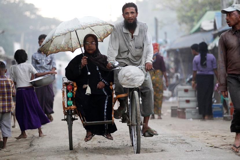 Pemimpin Pejuang Muslim Rohingya Tantang Pemimpin Myanmar Aung San Suu Kyi