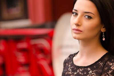 gambar Tampil cantik menawan dengan wajah yang bersih dan terang dengan bahan alami