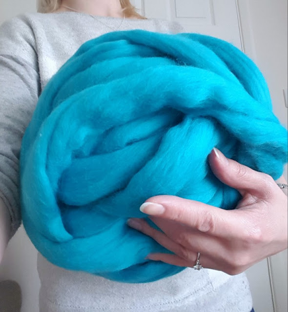 Make gorgeous squishy hand knitting with epic extreme unspun merino wool!