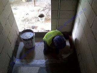 waterproofing coating dengan serat pada toilet dan kamar mandi