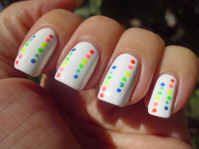 manicura con colorines