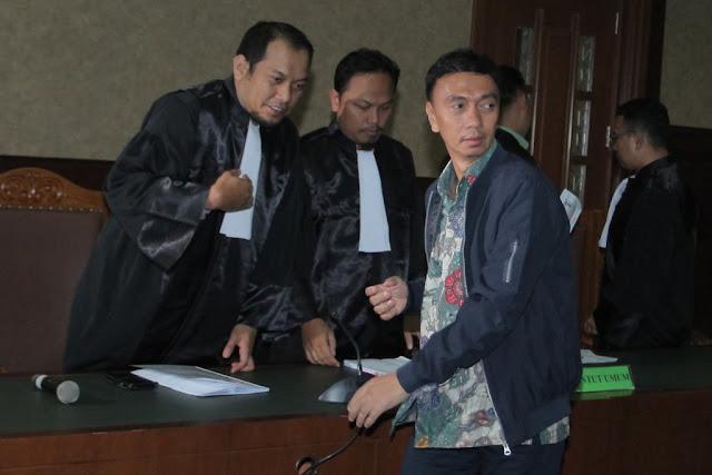 Auditor BPK Ali Sadli Didakwa Terima Gratifikasi Rp11,6 M & 1 Mobil