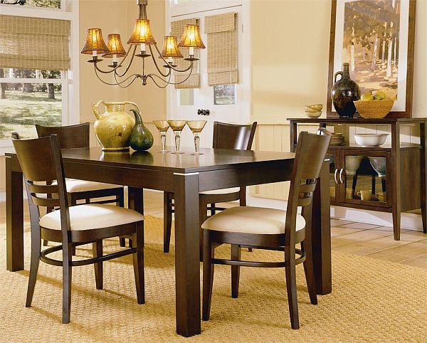 Beautiful chandeliers and dining tables bahay ofw for Relaxed dining room ideas
