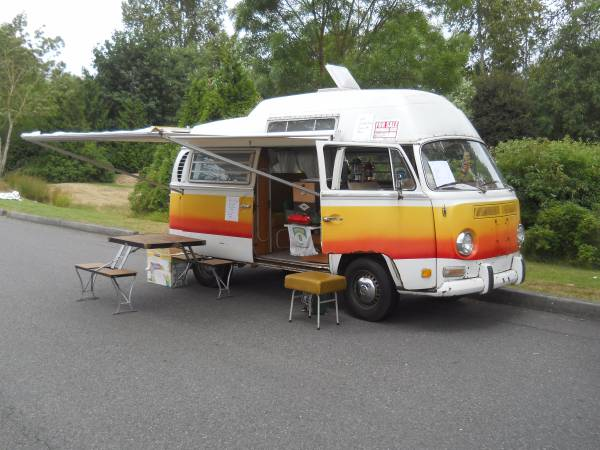 1971 VW Adventure Wagon Hightop Camper