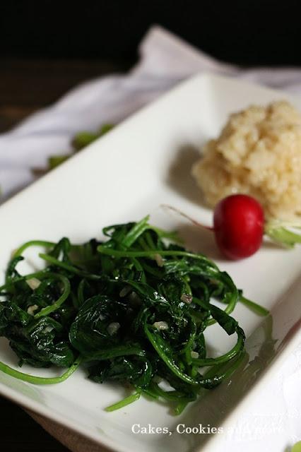 Nachhaltig kochen - gedünstete Radieschenblätter