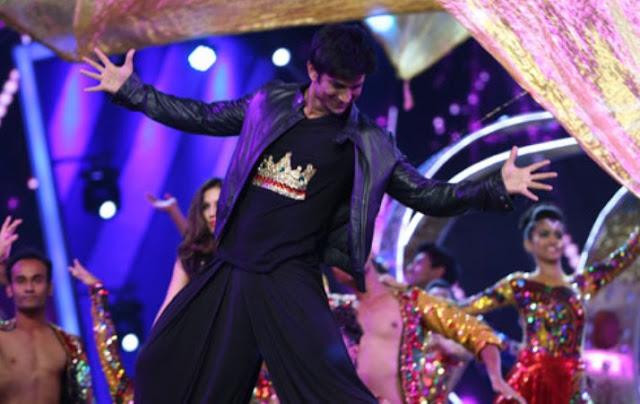 Sushant Singh Rajput, SRK's signature pose, SRK,