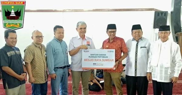BNI Bantu Masjid Raya Sumbar, Gubernur Irwan Beri Apresiasi
